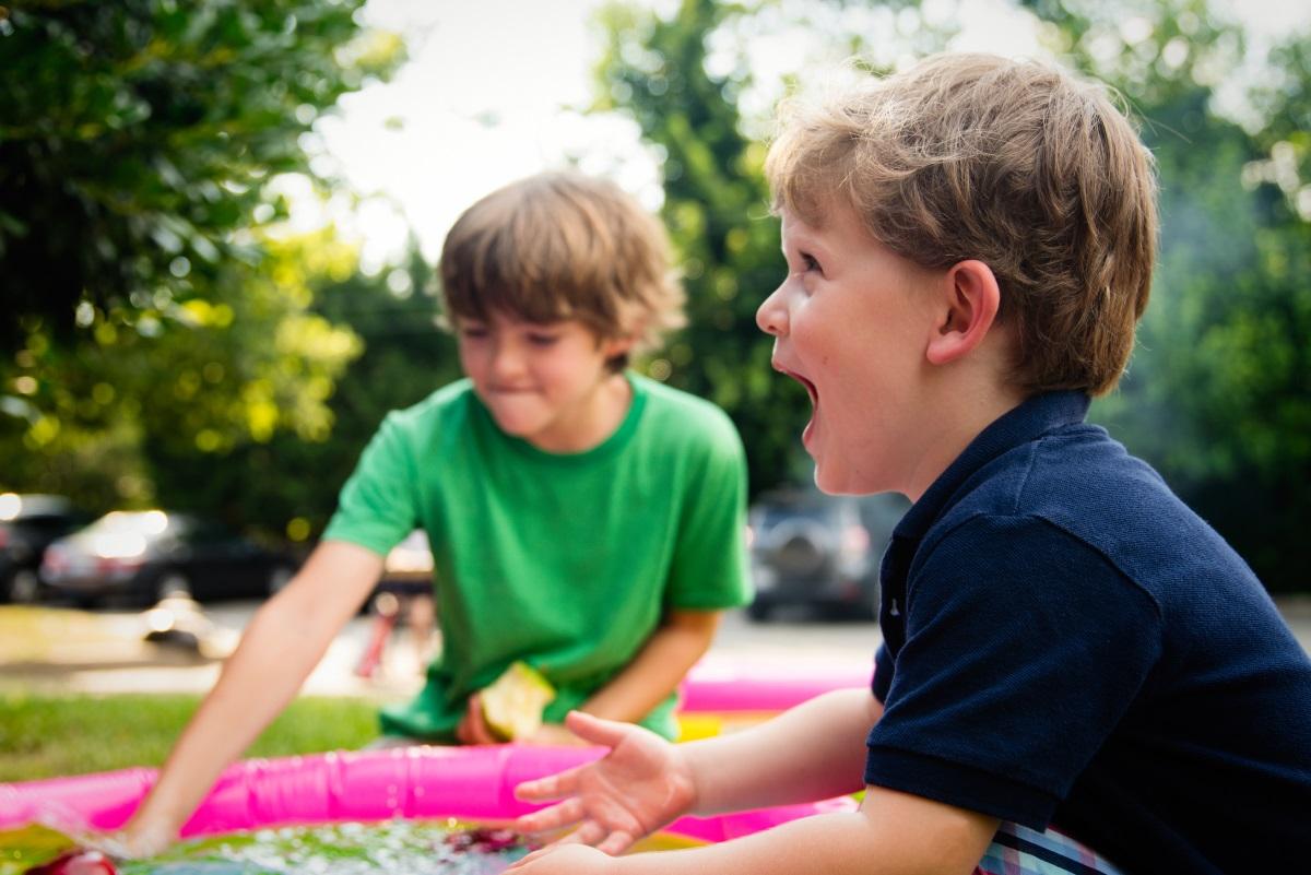 Spielende Kinder bei der Tagesmutter im Filstal